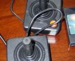 Atari 2600 Jr. 控制器/ 2004-10-17 13:38