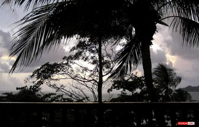 普吉岛的日落,摄于泰国普吉岛芭东镇Novotel / 2005-05-17 19:47