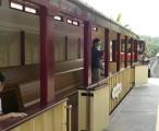 迪斯尼环园铁路线,可以直达园区后门的幻想地带 / 2006-11-10 11:24