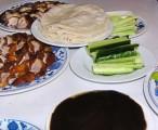 烤鸭、荷叶饼、面酱、京葱丝儿、黄瓜条儿 / 2005-11-06 21:00